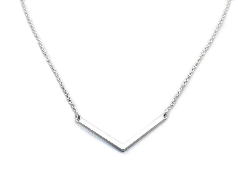 collar de plata angulo